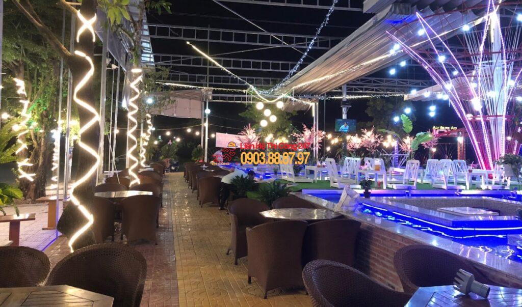 thiết kế thi công quán cafe cá Koi
